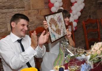 Когда и как дарят подарки на свадьбе: оригинальные идеи для вручения даров