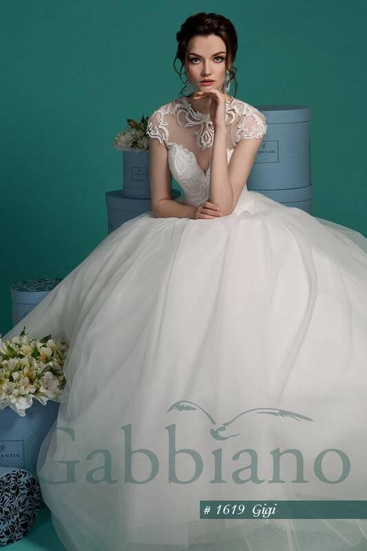 Платье с корсетом – позволь себе идеальный образ
