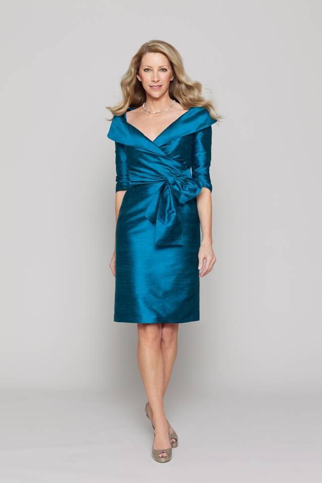 Платье на свадьбу для мамы жениха: фото лучших нарядов и советы по выбору