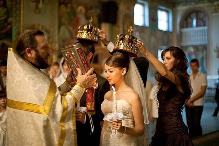 Можно ли обвенчаться в церкви без регистрации брака в загсе?