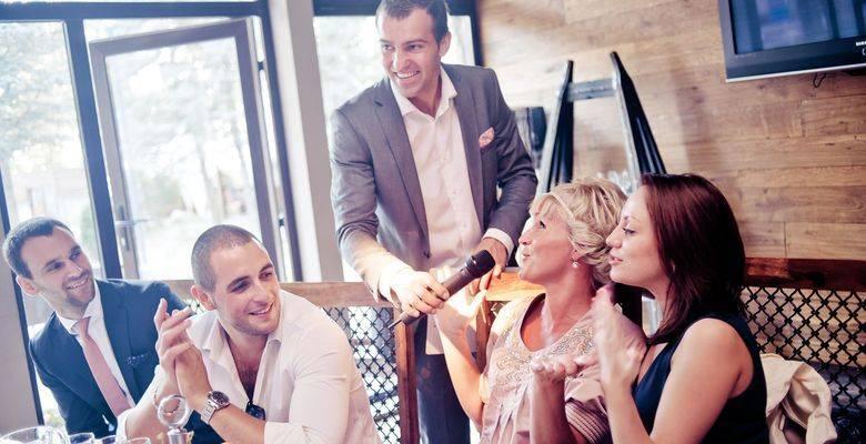 Застольные развлечения для небольшой компании взрослых. шуточные задания для гостей за столом, веселые смешные застольные конкурсы, игры, викторины, шутки, приколы для маленькой веселой компании взрослых, не выходя из-за стола