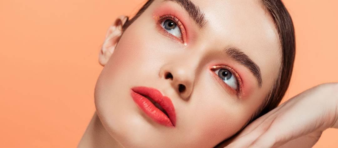 Модный макияж для брюнеток 2020