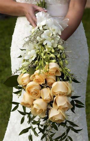 Букет на свадьбу для невесты и в подарок молодоженам от гостей