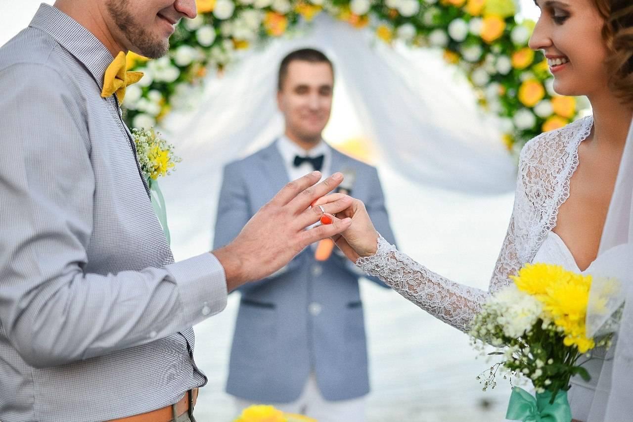 Тамада на свадьбе – это режиссер современного праздника