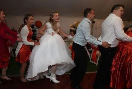 Свадебное меню на природе  праздничный фуршет в беседке, застолье на даче