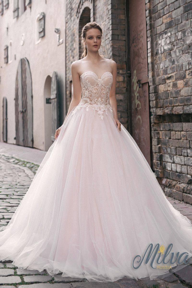 Стильные свадебные платья из фатина