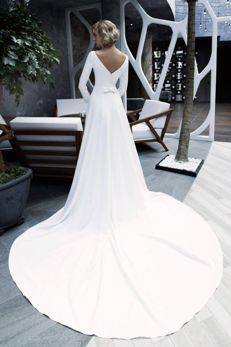 Кружевное свадебное платье со шлейфом и вы королева