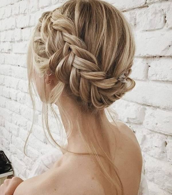 Прически на средние волосы – новинки!