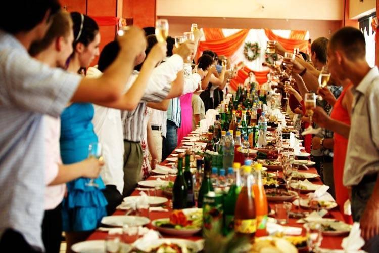 Меню на свадьбу: варианты летом
