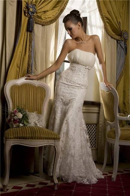 Примерка свадебного платья: как и с кем выбирать наряд