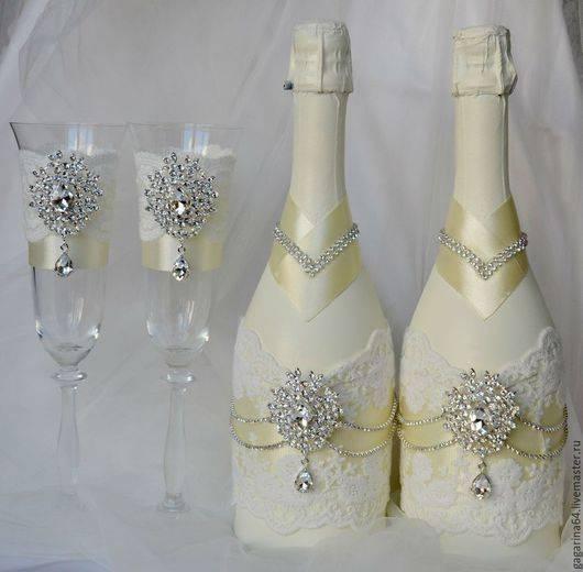 Украшение бутылок на свадьбу: способы и интересные примеры