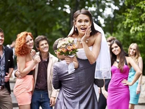 Что делает ведущий на свадьбе?