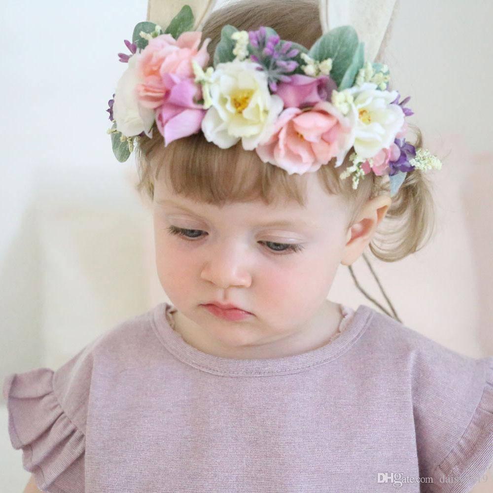 Как сделать венок из живых цветов. свадебные венки на голову из живых цветов требуют особого подхода: простые советы и рекомендации.