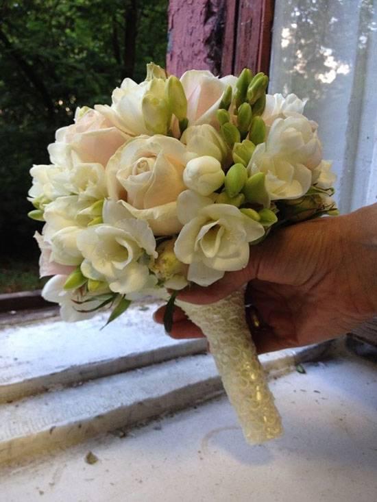 Букет невесты из живых цветов своими руками. мастер-класс с фото
