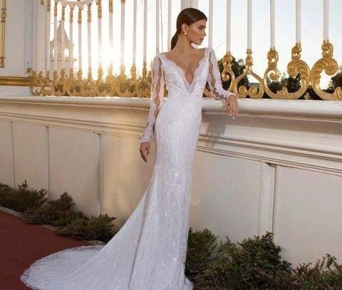 Шелковые платья: популярные фасоны и модели