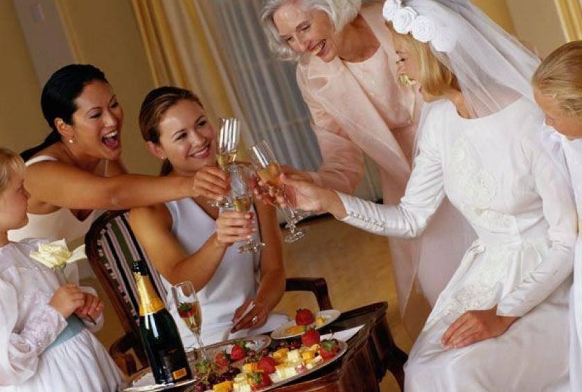 Что можно подарить на золотую свадьбу