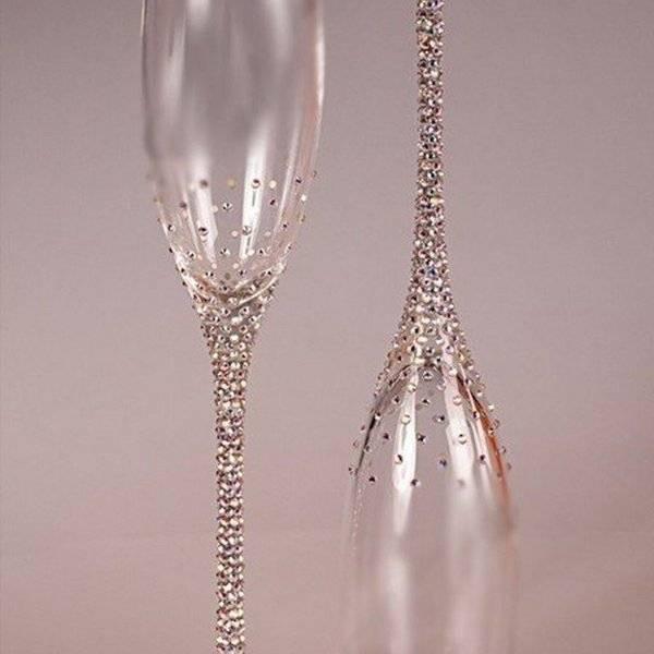 Свадебные бокалы своими руками, декор - фото примеров
