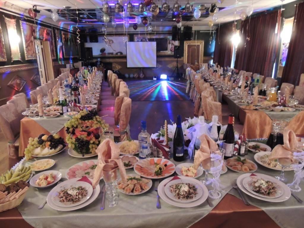 Свадебный стол меню  банкет в домашних условиях и в кафе, примеры