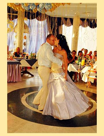 Как провести свадьбу без тамады: готовый сценарий