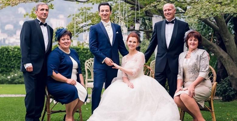Как выбрать платье для мамы на свадьбу дочери
