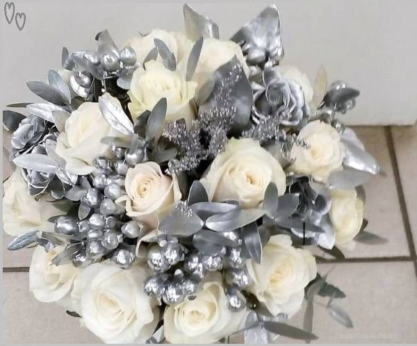 Подарки жене на 15 лет совместной жизни – поздравления любимой с хрустальной свадьбой