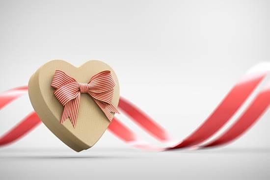 Что подарить на золотую свадьбу? какой подарок купить близким родственникам на 50 лет свадьбы? что подарить бабушке и дедушке?