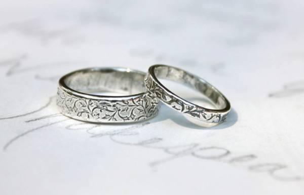 Что подарить друзьям на серебряную свадьбу?