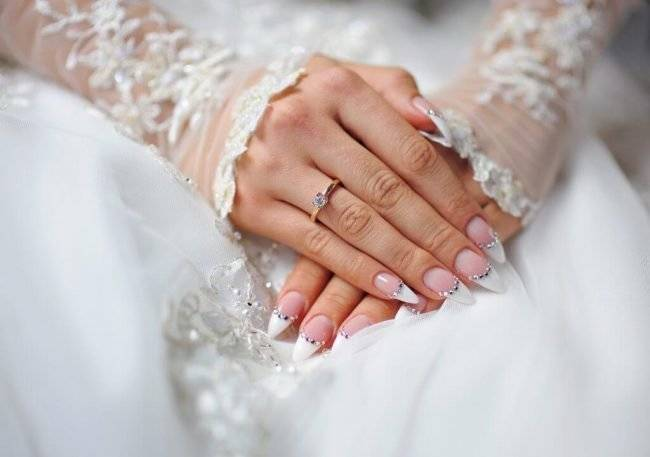 Тренды свадебного дизайна маникюра – модные фото-примеры
