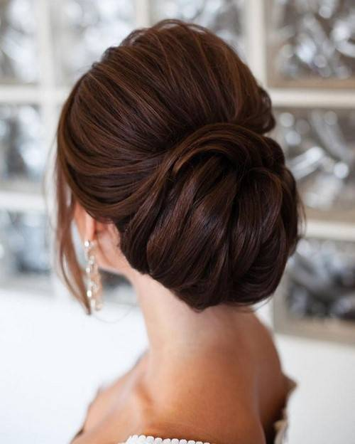 Топ свадебных причесок на средние волосы