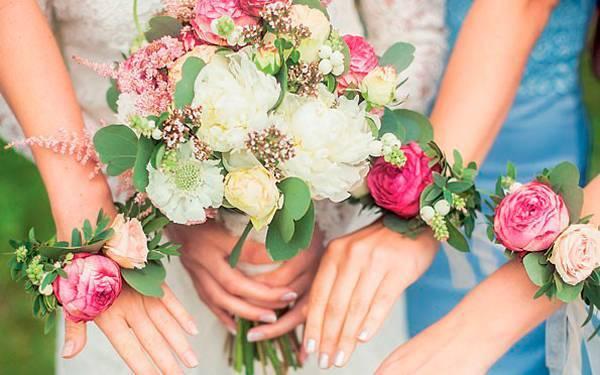 Оригинальный букет на свадьбу – лучший подарок молодоженам!