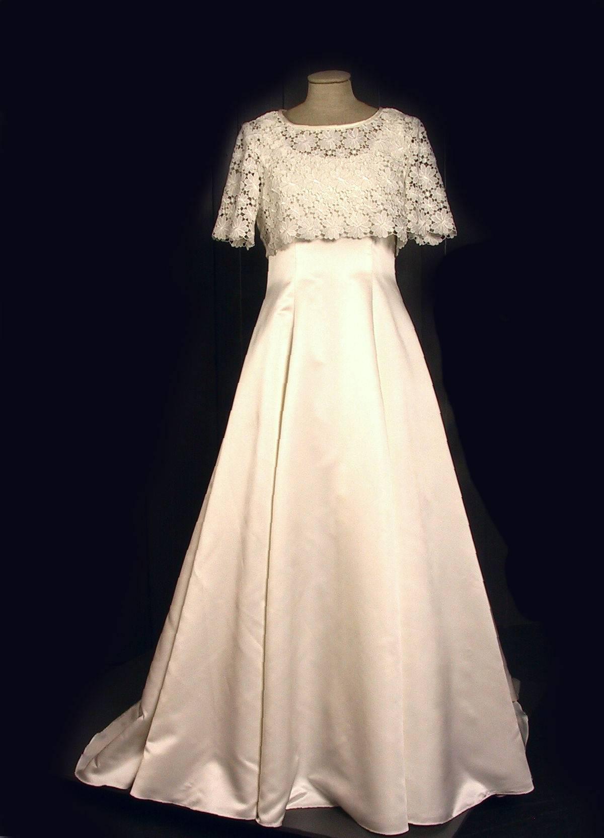Белое свадебное платье - символ торжества любви