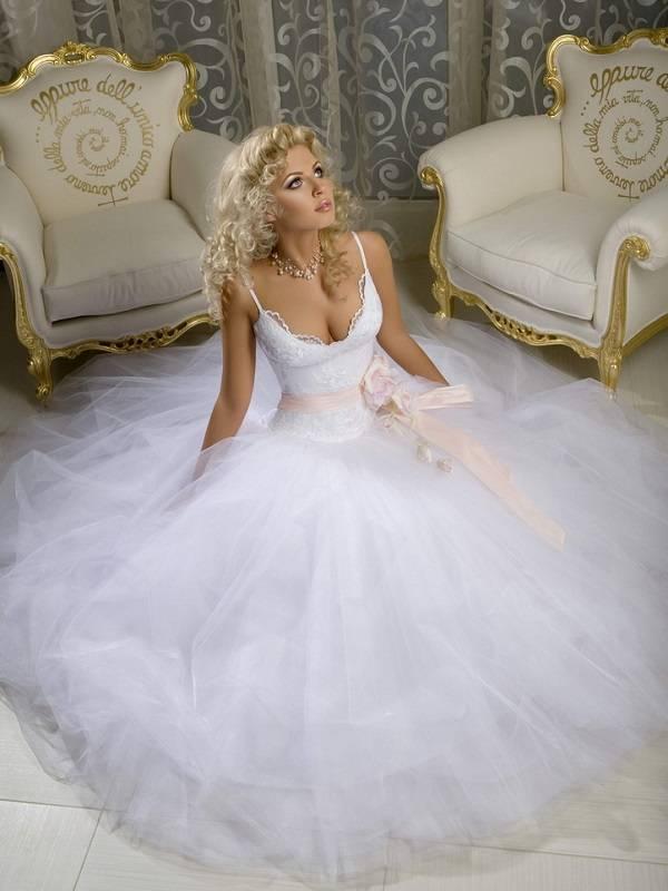 Модели 10 самых необычных свадебных платьев в мире