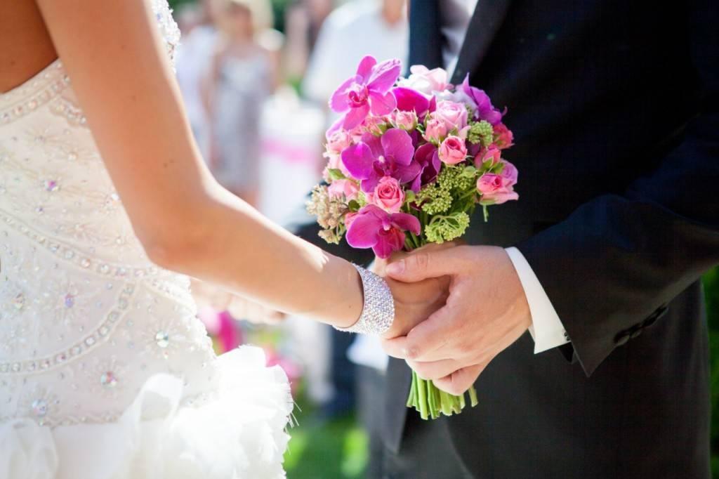 Букет невесты из брошей фото