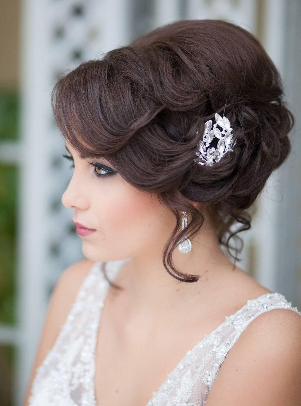 Прически на свадьбу: тенденции 2018 (фото)