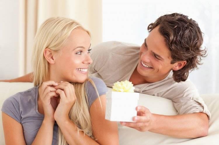 Кружевная свадьба: что дарить мужу, жене, друзьям