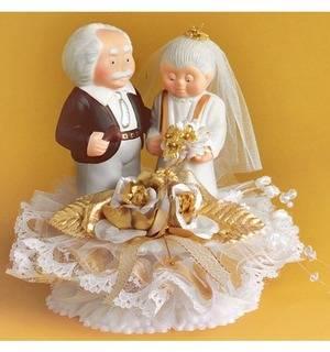 Что подарить родителям на золотую свадьбу?