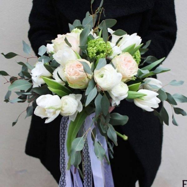 Выбор букета на свадьбу в подарок молодоженам: что нужно знать?