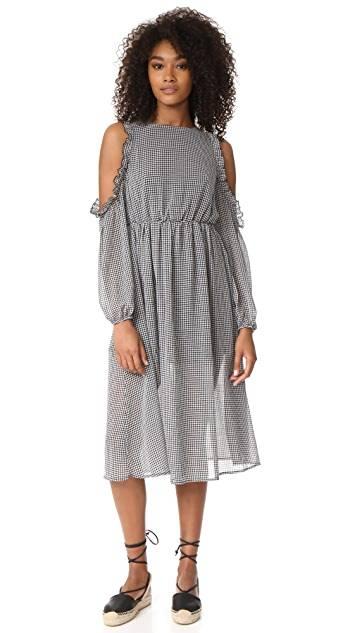 Свадебные платья для невысоких девушек: лучшие модели сезона