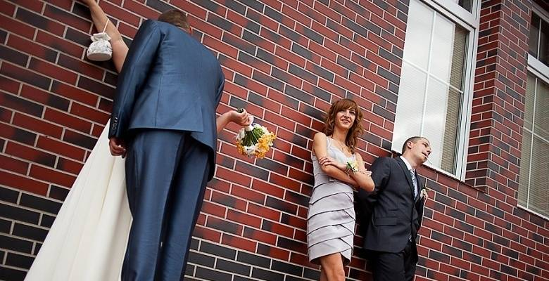Свидетельница на свадьбе: обязанности и советы, кого выбрать на эту роль