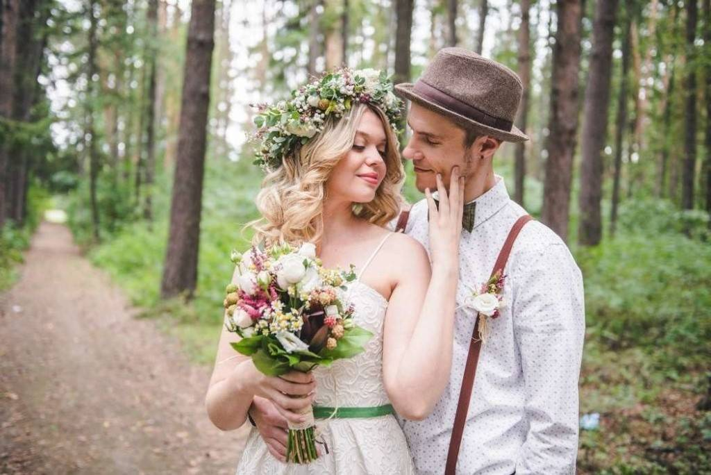 Контрастная свадьба в красном цвете