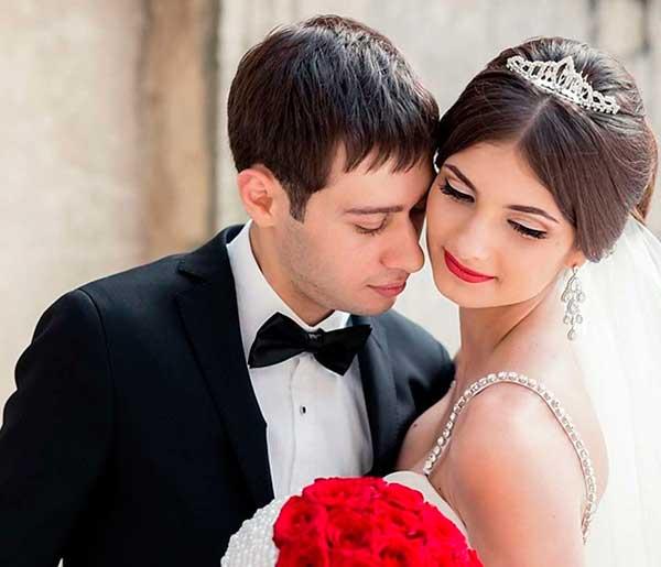 Салатовая свадьба: молодость и жизнелюбие