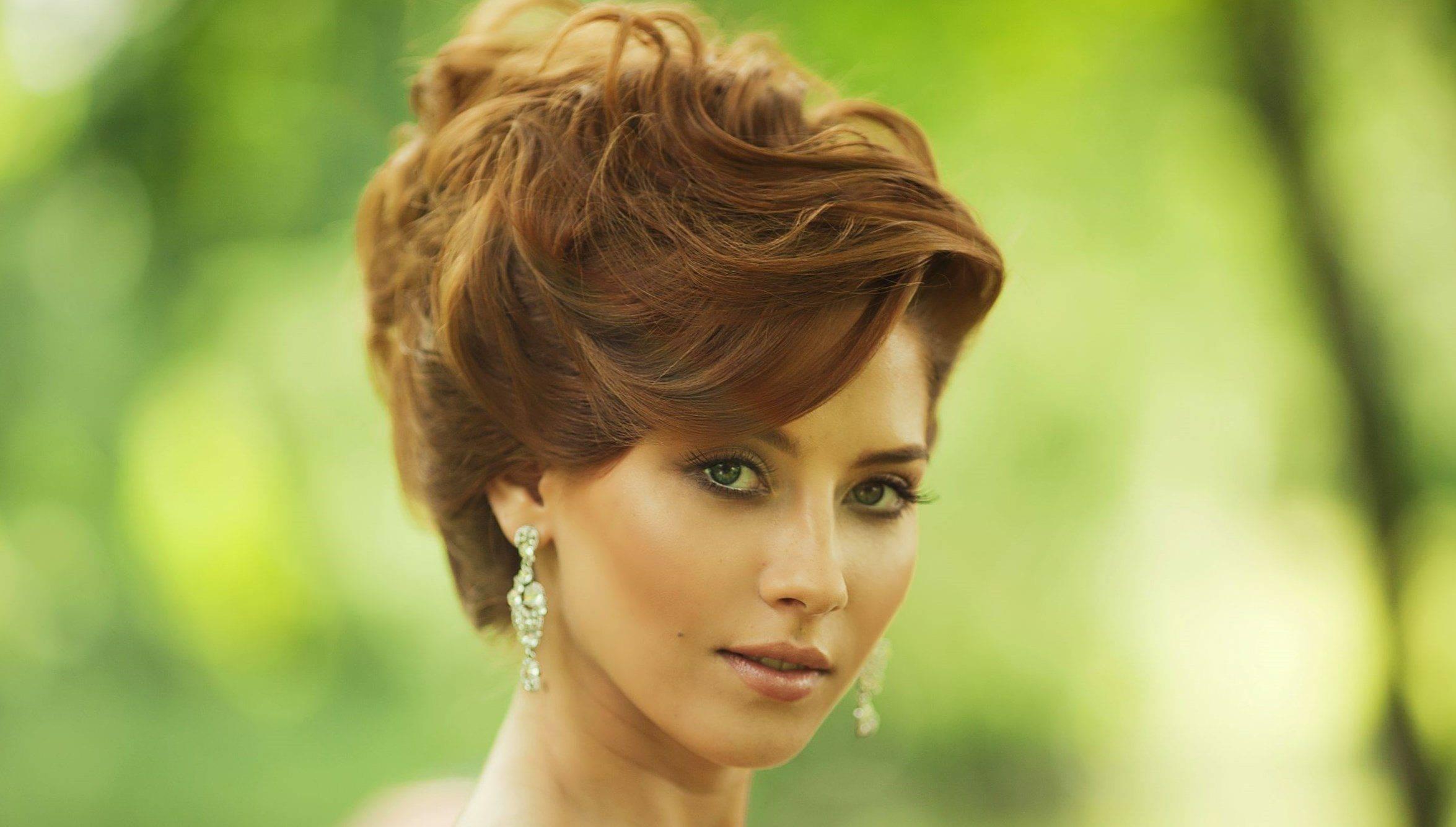 Модные прически на короткие волосы на свадьбу – примеры с фото и видео