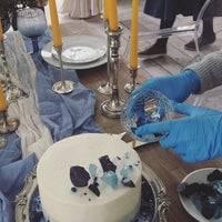 Аксессуары для свадебных фотосессий (64 фото): лучшие атрибуты и реквизиты на свадьбу своими руками, качели, карточки и прочие декорации