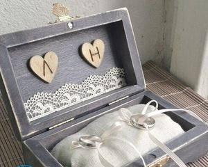 Шкатулка для колец на свадьбу и другие детали