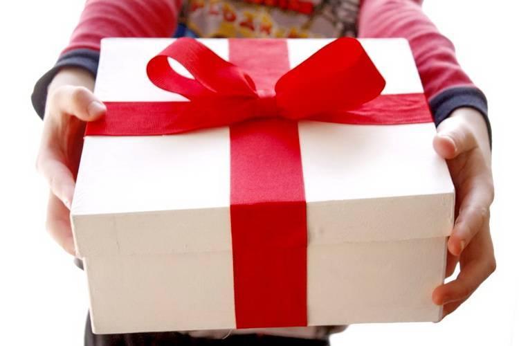 Что подарить на свадьбу молодоженам недорогое, но оригинальное и полезное