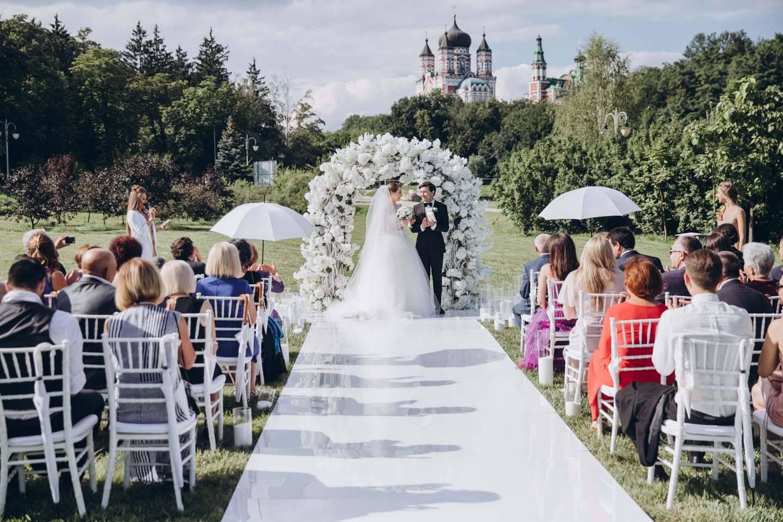 Что нужно знать о свадебной фотосессии в студии