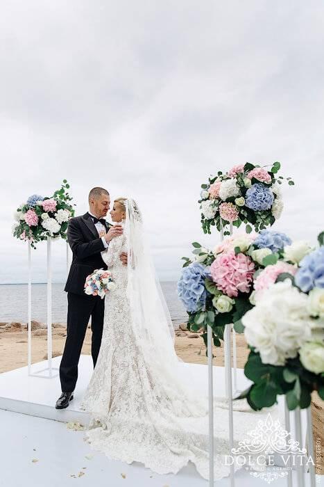 Белое свадебное платье – безупречная классика