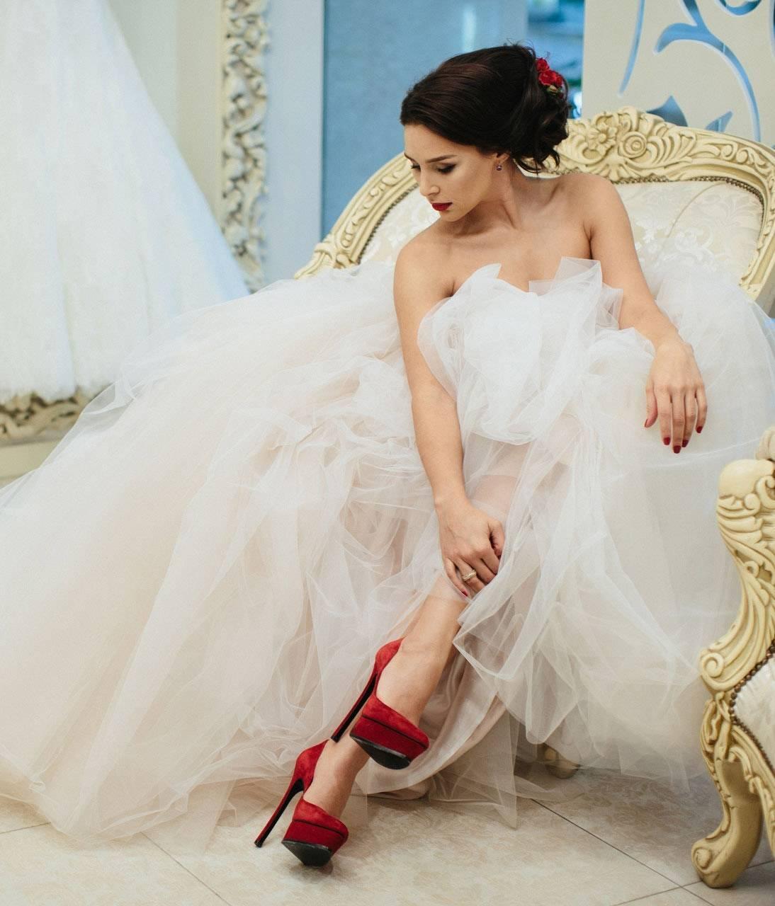 Свадебные туфли. 145 фотографий модной обуви для невесты.