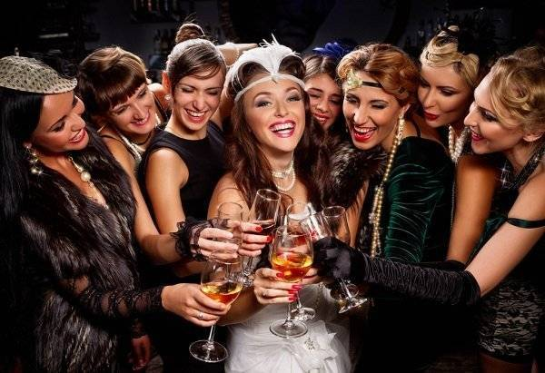 Девичник перед свадьбой: прикольный сценарий, конкурсы, как оригинально провести, кто оплачивает