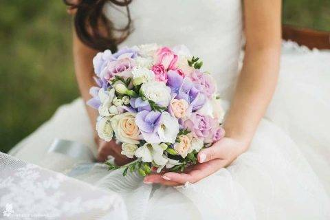 Свадебный букет из анемонов, варианты сочетания с фото